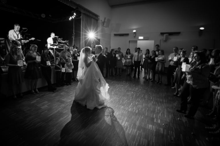 Brautwalzer fotografiert von Hochzeitsfotograf aus München
