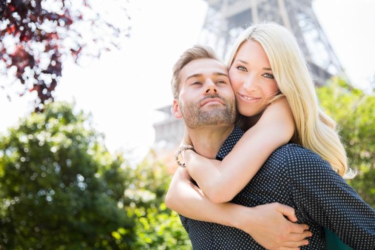 Engagement-Shooting um das zukünftige Brautpaar besser kennenzulernen und die schönsten Paarfotos zu fotografieren als Fotograf aus München
